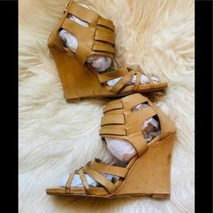 TORRID (11) COGNAC STRAPY SEXY WEDGES ❤️